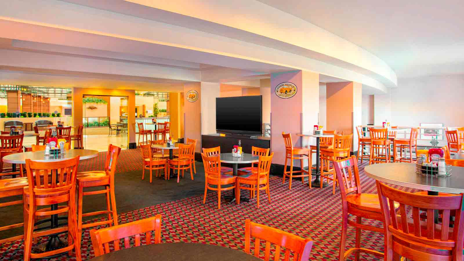 Casey's Sports Bar and Grill - sheraton birmingham hotel